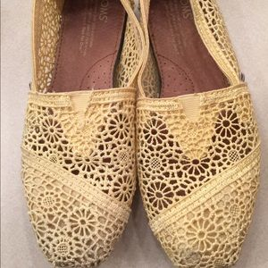 Yellow Crochet Lace TOMS - size 6
